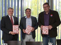 V průvodci To je Brno dostaly slovo obce.