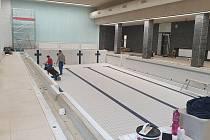 Školákům opravili bazén v brněnském Komíně.