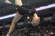 Gymnastka Komrsková.