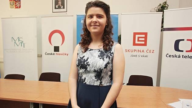 Studentka Štěpánka Grunová získala v Brně ocenění České hlavičky 2016 v kategorii Člověk a společnost.