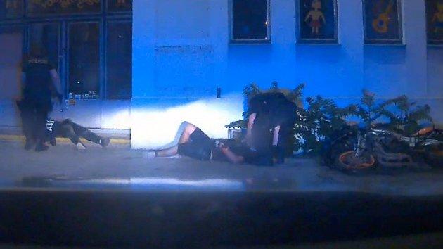 Motorkář v Brně zkoušel ujet policii.