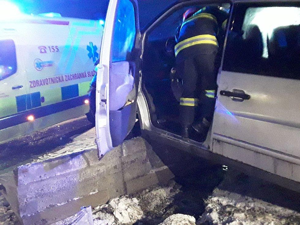 Nehoda dodávky u Ostrovačic.