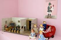 Nová výstava nazvaná Tady bydlí panenky, která je určena nejen dětem a milovníkům hraček.