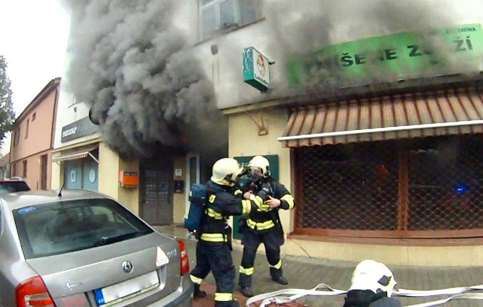 Požár bytového domu v Maloměřicích.