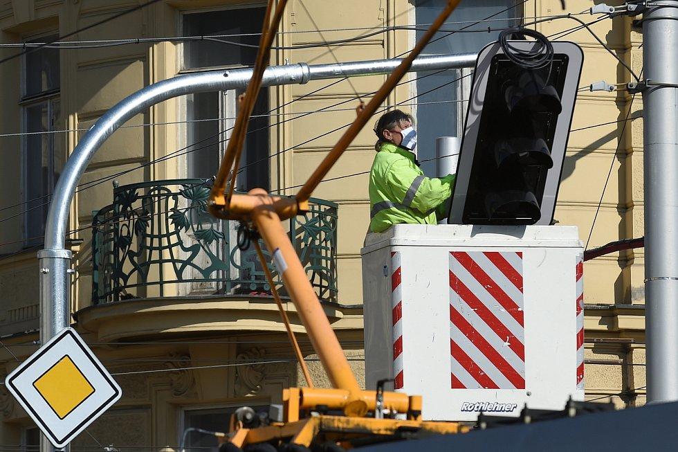 Vybrané semafory v Brně budou upřednostňovat vozy MHD.