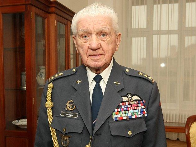 Poslední žijící veterán britského Královského letectva v České republice Emil Boček.