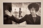 Výstava fotografií osobností v Křížové chodbě brněnské radnice