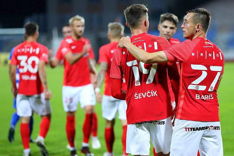Brněnští fotbalisté (v červeném) deklasovali Ústí nad Labem 6:1.