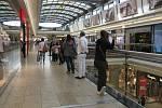 Brno. Zbývající obchody a řada služeb otevřela v pondělí po několika měsících omezení.