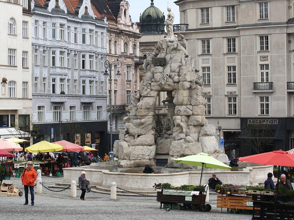 Barokní kašna Parnas na brněnském Zelném trhu.