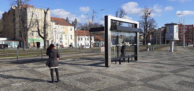 Čtyři nové přístřešky na zastávkách MHD vBrně budou mít zelené střechy.
