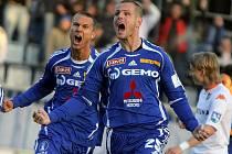 Fotbalista Martin Hudec (vpravo).