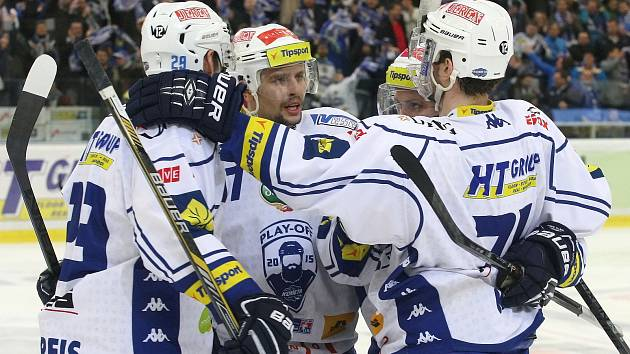 Přeházeli sestavu, na pomoc se vrátil Michal Kempný. A hokejisté brněnské Komety si díky tomu odložili konec sezony.