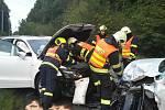 Při nehodě u Útěchova se zranili čtyři lidé.