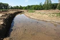 Celková rozloha vodní plochy budou necelé dva hektary.