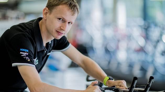 Expert na nastavení posedu na kolo Jan Dubec z Triexpertu.