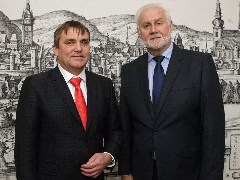 Nový jihomoravský hejtman Bohumil Šimek poprvé od zvolení do funkce jednal se svým stranickým kolegou a primátorem Petrem Vokřálem.