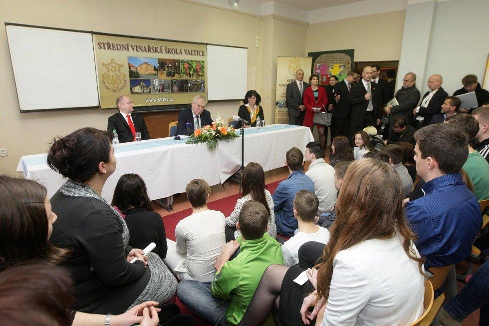Prezident Zeman ve Valticích.