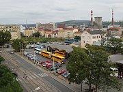 Autobusové nádraží před Grandem v Brně.