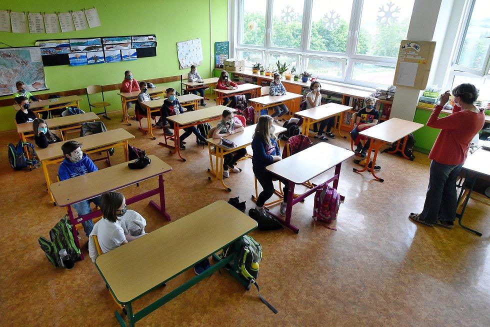 Otevření ZŠ Svážná v Brně po ukončení nouzového stavu.