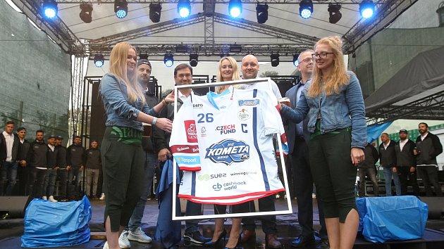 Na Dni Starobrna byl pokřtěn nový dres Komety Brno