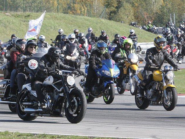 Motoshoww rekord na brněnském Masarykově okruhu. Ilustrační foto.