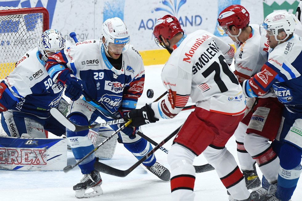 Brno 17.1.2021 - domácí HC Kometa Brno v modrém () proti Mountfield Hradec Králové (Radek Smoleňák)