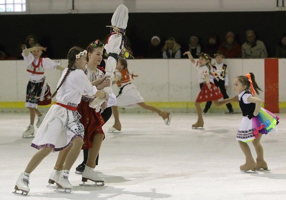 Evropský šampion v krasobruslení z roku 2008 Tomáš Verner zavítal na jubilejní patnácté Velikonoce na ledě do Brna. Zabruslil si při exhibici s dětmi pořádajícího Stadionu Brno.