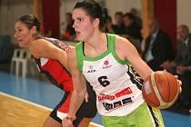 Basketbalistky Frisco Brno (s míčem Romana Hejdová) čeká další euroligový zápas.