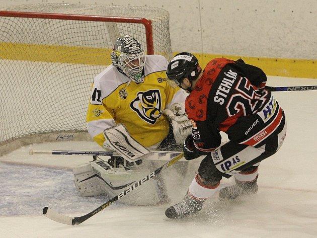 Zejména vydařená první třetina a v ní dva góly Petra Jurči nasměrovaly hokejisty brněnské Techniky k vítězství 5:1 nad Moravskými Budějovicemi ve čtvrtfinále druholigového play off východní skupiny.