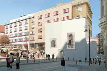 V BUDOVĚ. Interiér kaple ze třináctého století je možné postavit v budově na roku Veselé ulice a Dominikánského náměstí.
