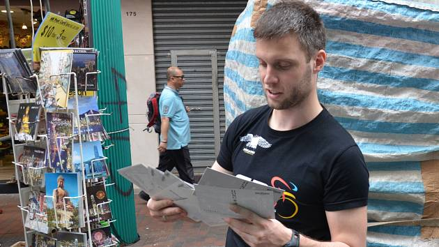 Sportovní redaktor Deníku Rovnost Jaroslav Kára v Hongkongu.