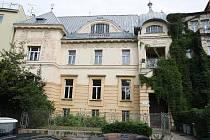 Velkolepé plány má město s vilou průmyslníka Löw-Beera v Drobného ulici, kterou chce propojit s blízkou vilou Tugendhat. Tu čeká rekonstrukce, podobně jako i vilu Stiassny.Ve staveniště se již proměnila Jurkovičova vila nebo kavárna Era v Černých Polích.