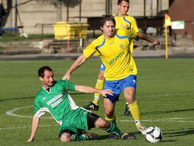 Fotbalisté Ivančic (ve žlutém) zůstanou po podzimu na třináctém místě tabulky.