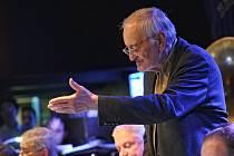 Milan Lasica s orchestrem Bratislava Hot Serenaders.