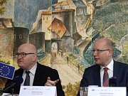 Ministr kultury Daniel Herman a premiér Bohuslav Sobotka