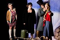 Dvě různorodé opery v jednom premiérovém večeru, fraška Mistrová, aneb když Bolševici zrušili Vánoce a filozofická pohádka Malý princ. Dva zdánlivě odlišné příběhy přenesou na jeviště brněnského Divadla na Orlí studenti Janáčkovy akademie múzických umění.