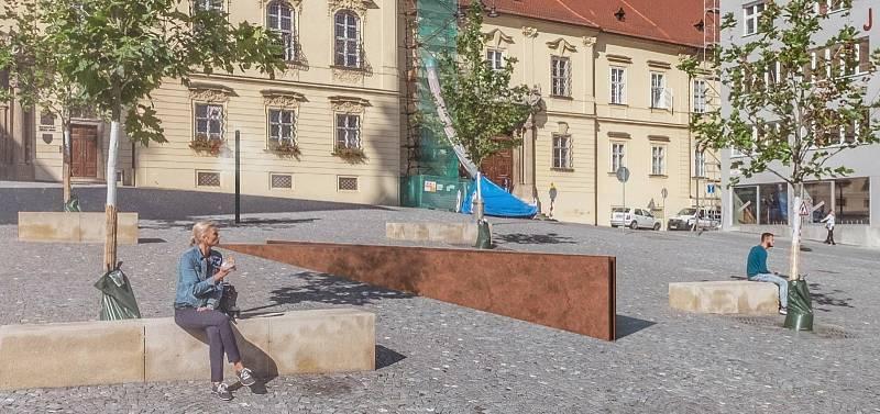 """Architektonická soutěž 2021 na vodní ozdobu Domin náměstí. - 3. místo: Pavel Hošek. Představení: Nosná idea návrhu reaguje na """"tekoucí pohyb"""" plochy náměstí. Vodní hladina vystupuje v úrovni terénu a mizí v neohraněném střihu do prostoru."""