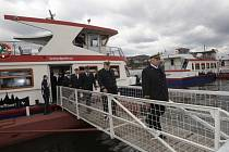 NA brněnskou přehradu vyjely po zimě poprvé lodě.