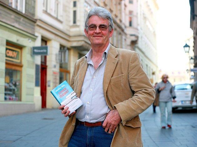 Britský spisovatel Simon Mawer navštívil Brno poprvé už v roce 1994. Město si zamiloval a od té doby se sem opakovaně vrací.