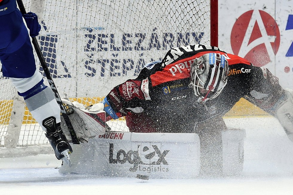 Brno 18.2.2020 - domácí HC Kometa Brno v bílém proti Mountfield Hradec Králové (Marek Mazanec)
