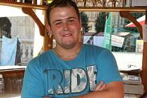 Plážový barman Milan Buchtala.