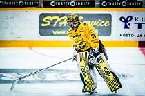 Matej Tomek strávil uplynulý ročník ve finské lize, teď má v Kometě nahradit Karla Vejmelku.