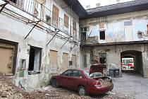 Problémový dům v ulici Milady Horákové.