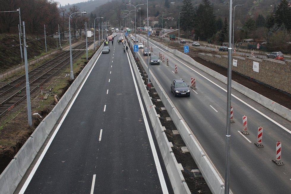 První etapa velkého městského okruhu v brněnské Žabovřeské ulici je hotová.