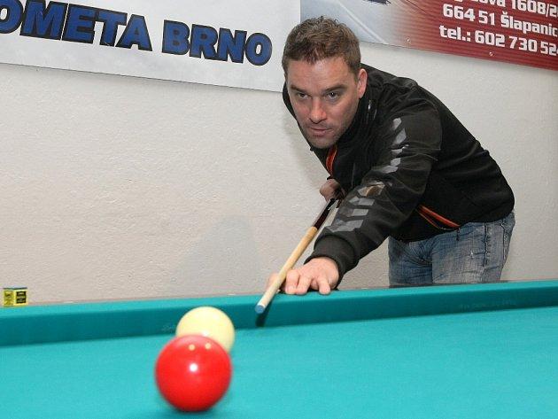 Povánoční turnaj osobností, novinářů a sponzorů v kulečníku už má v Ponětovicích osmnáctiletou tradici.