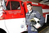 Páteční dopoledne je vyhrazeno hasičským vozům – je zapotřebí doplnit pohonné hmoty a také udělat pořádek v garáži.
