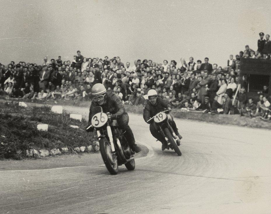 Momentka z jednoho prvních ročníků Grand Prix.