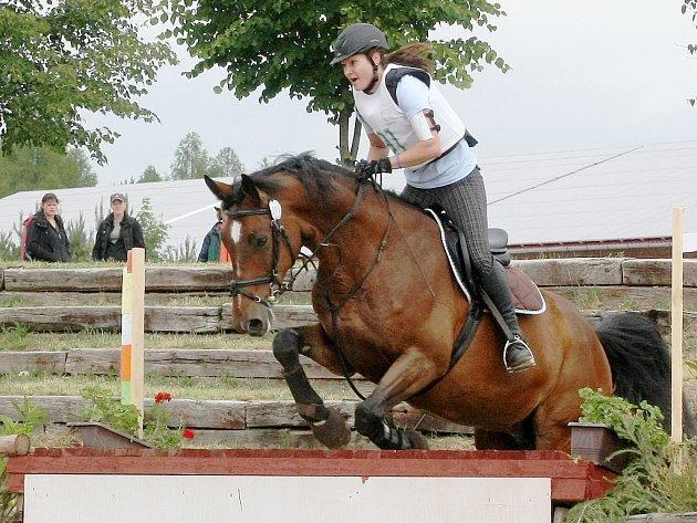 Vítězství ve 47. ročníku kvalifikace na Zlatou podkovu v military si z brněnského areálu Panská lícha odvezli Robert Pokorný s koněm Caleppo.