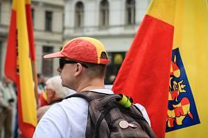 Lidé protestovali na brněnském náměstí Svobody proti anglickému označení Czechia pro Českou republiku v zahraničí. Akci uspořádala politická strana Moravané.